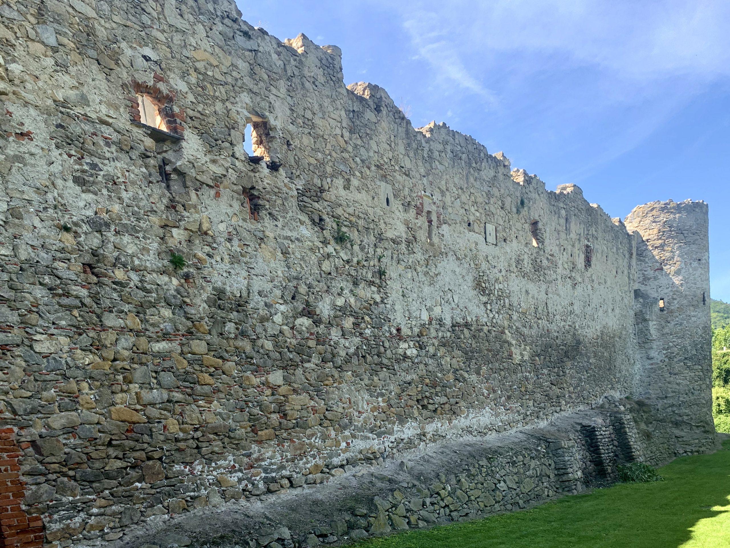 Ostmauer der Pfarrkirche Weißenkirchen
